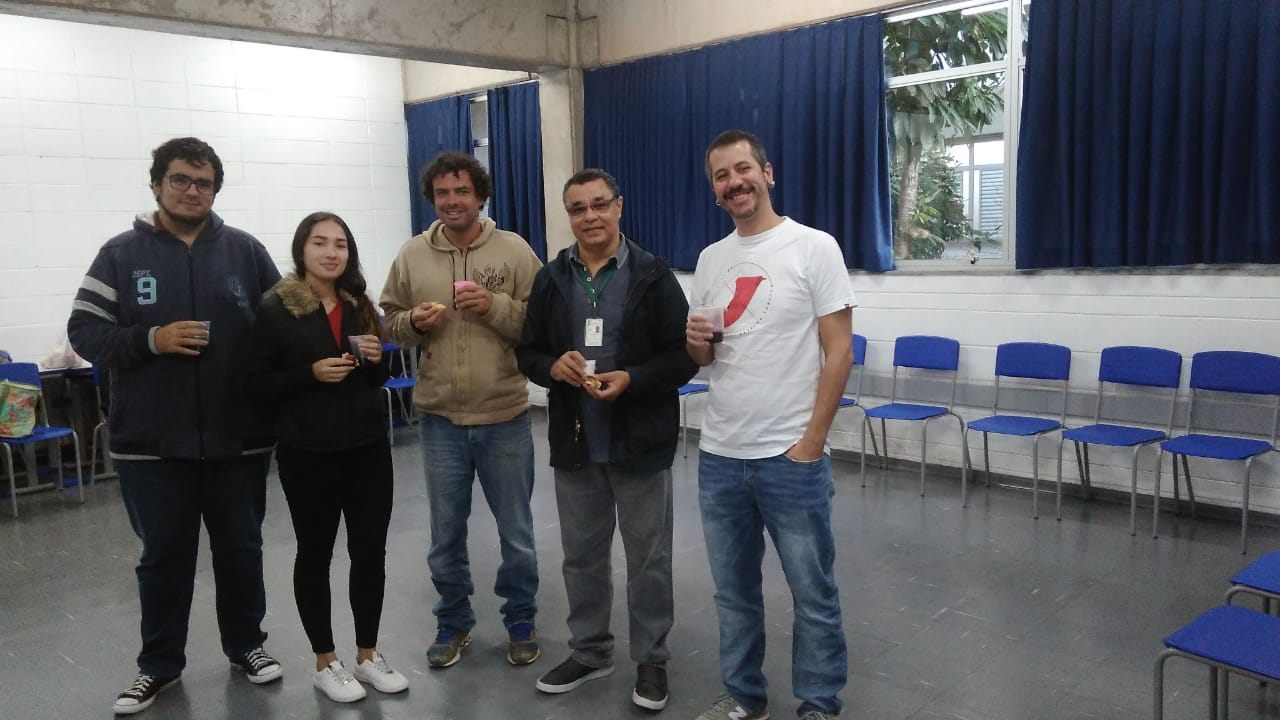Alunos do IFSP Caraguatatuba, Prof. Luis Américo e Prof. William